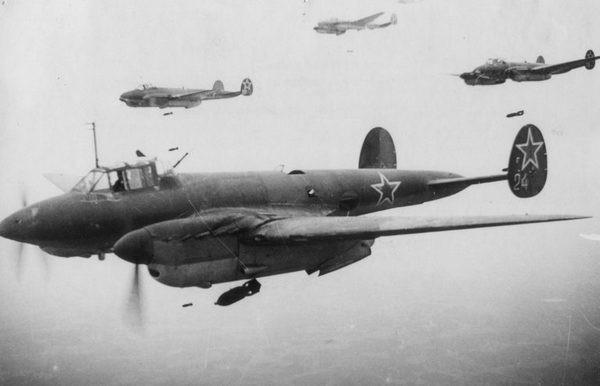 pe-2-sovetskaya-aviatciya-sovetskij-samolet-tehnika-vtoroj-mirovoj-samoleti