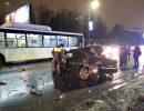 Хонда влетела в пассажирский автобус: легковушка всмятку