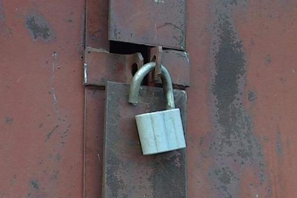 гараж,ворота,двери,замок,гаражные воры,