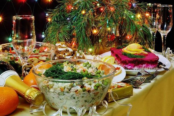 новогодний стол,еда на новый год,