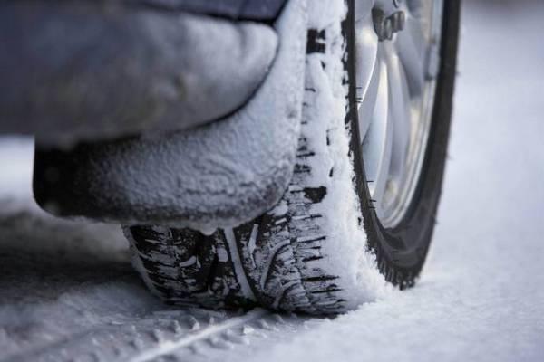 шины,резина,запрет на использование летней резины зимой,колесо автомобиля,зима,снег,