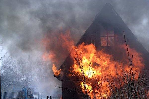 пожар,сгорела баня,