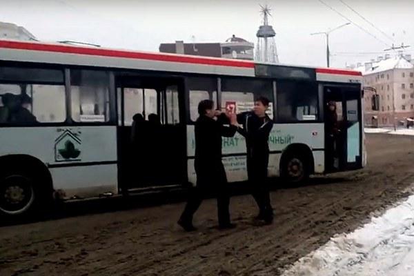 драка водителей автобуса и троллейбуса,город Владимир,