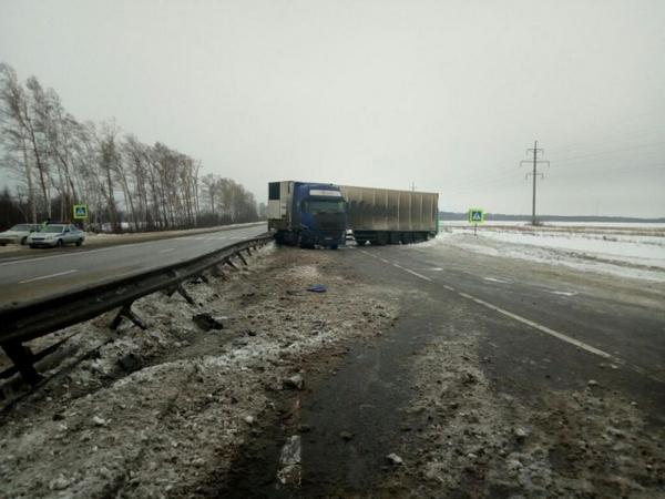 авария,дтп,Владимрская область,Гороховецкий район,329 километр,авария фура,вольво,3 февраля 2018 года,