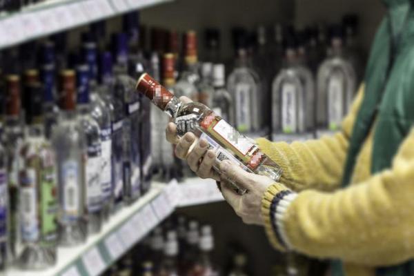 Цены на водку обещают не поднимать
