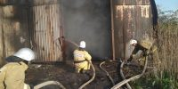 Пожар в ангаре тушили 9 человек