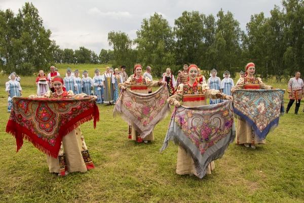 Хороводы древнего Ярополча. Славянские обряды на месте древнего поселения