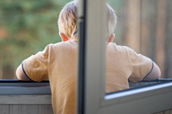 Картинки по запросу дети падают из окон