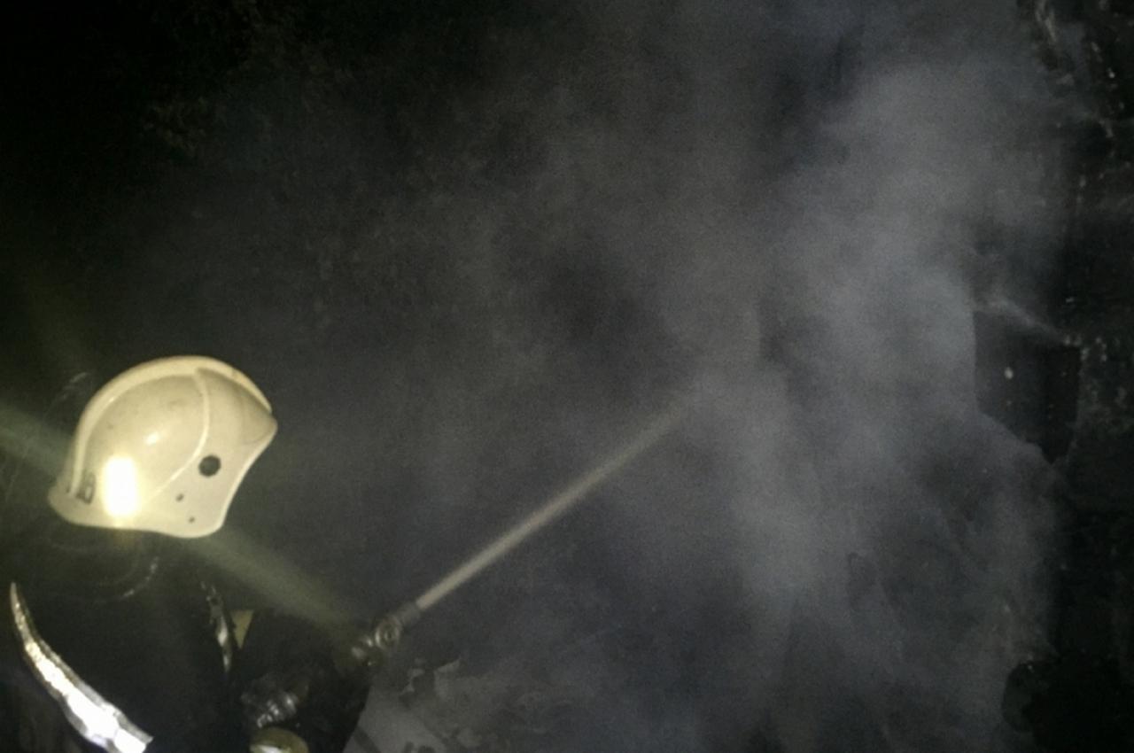 В деревне в полночь сгорела баня