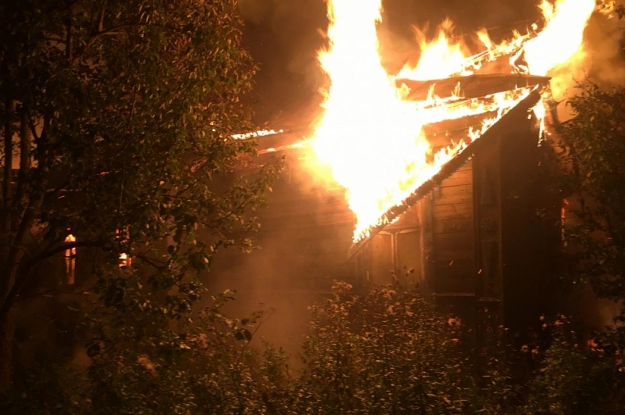 Ночью сгорел жилой дом